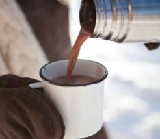 thermos-of-hot-chocolate-istock-photos-401x349